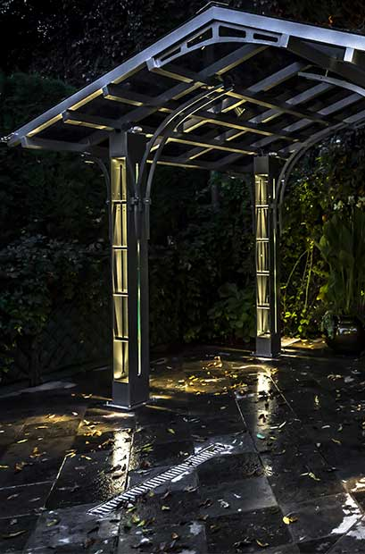 custom made shelter pergola columna metal. Black Bedroom Furniture Sets. Home Design Ideas