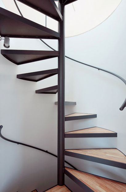 escalier en colima on conception sur mesure columna metal. Black Bedroom Furniture Sets. Home Design Ideas
