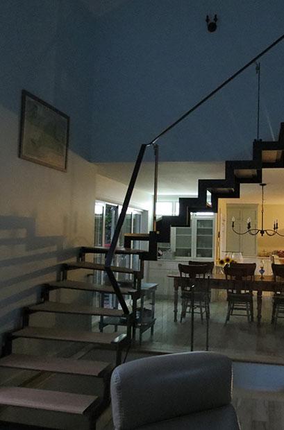 Escalier moderne balancé