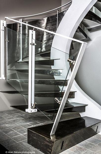 escalier tournant demi tournant quart tournant columna metal. Black Bedroom Furniture Sets. Home Design Ideas