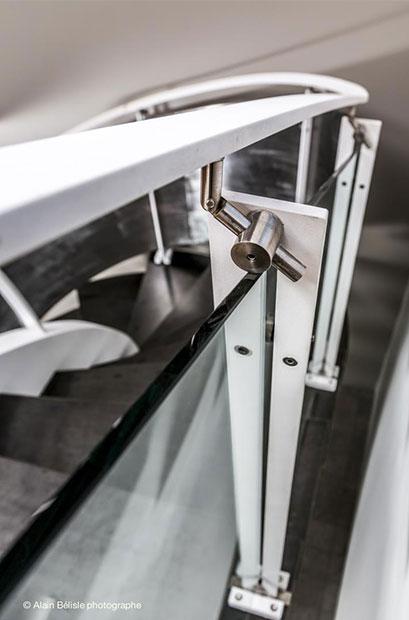 Structure métallique escalier tournant