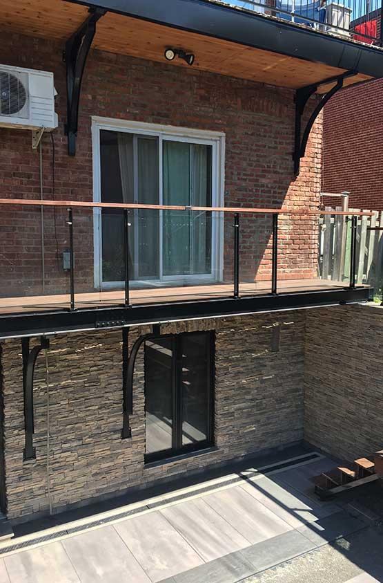 Balcon avec équerre
